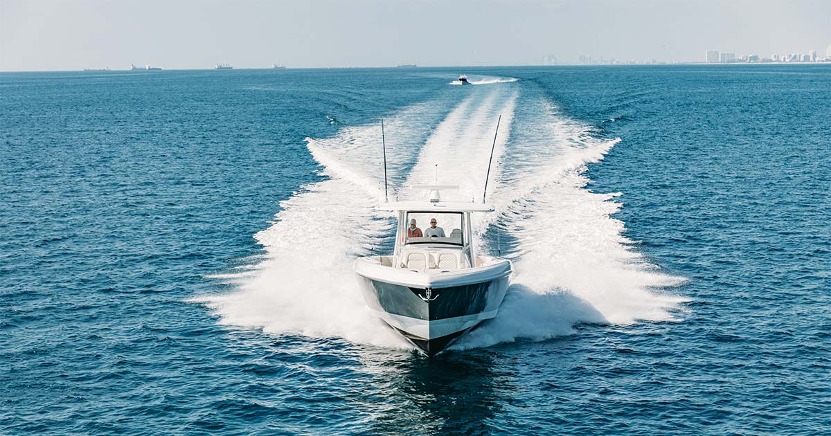 375 Nomad SE - Socially Distant Boating